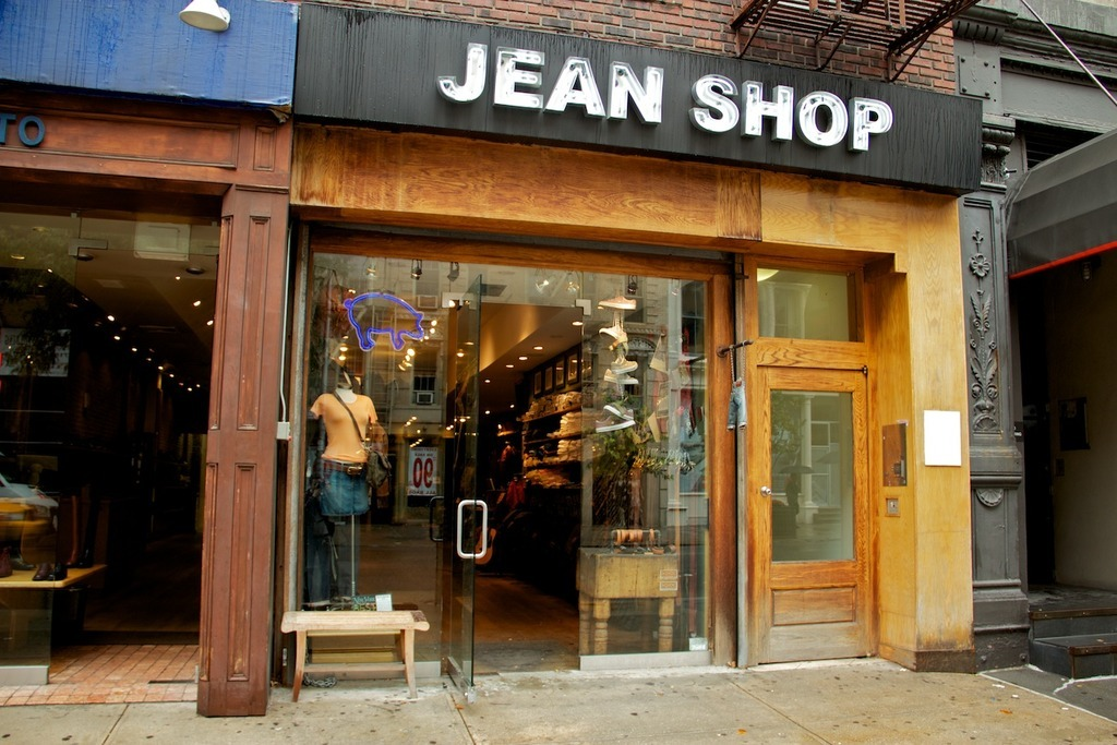Jean shopping soho for Furniture stores nyc soho