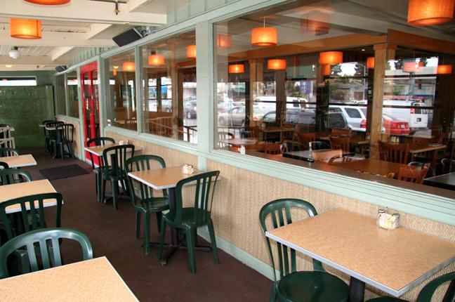 hugos-studio-city-los-angeles-ca-restaurant-1